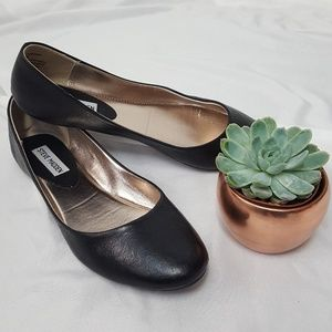 Steve Madden Leather flats